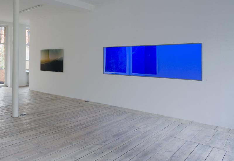 Moritz Hirsch Lookign Glass Exhibition View 3