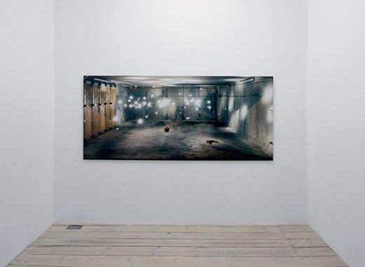 Moritz Hirsch Lookign Glass Exhibition View 6