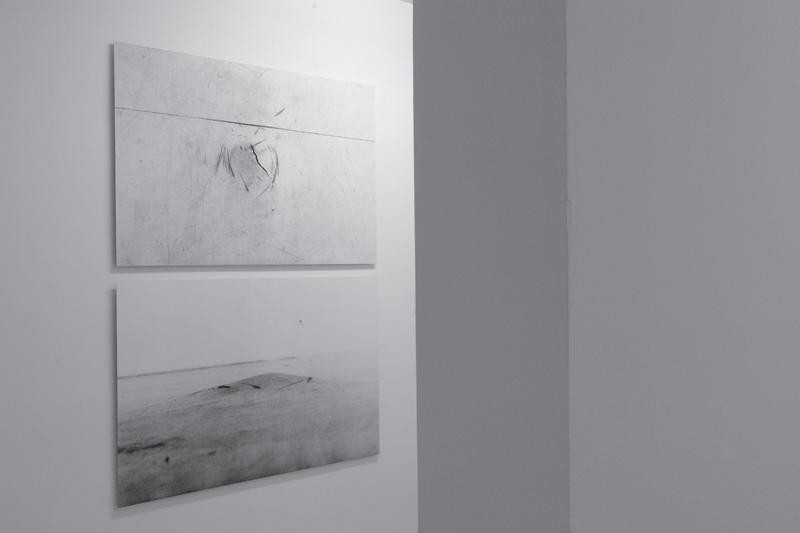 Moritz Hirsch Lookign Glass Exhibition View 7